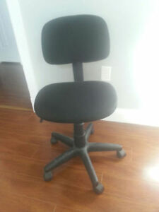 Black Desk Chair