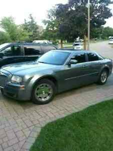 2006 Chrysler 300 loaded leather touch screen remote start $3800
