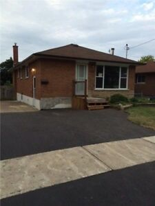 RENOVATED 2 Bedroom Walkout Bungalow f/Rent (Lower LEVEL)