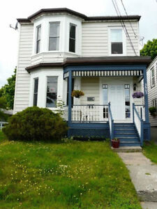 Room available in the Hydrostone neighborhood