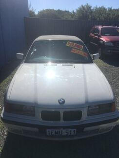 1994 BMW 325I CONVERTABLE White 4 Speed Automatic Convertible