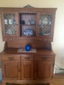 China Cabinet Solid Maple Wood