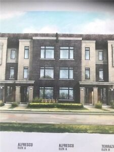Gorgeous 4 Bdrms With One Bdrm In Suits On Main Floor