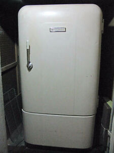 **WANTED** Looking for retro / vintage refrigerators to buy.