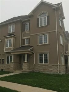 GORGEOUS 3 BEDROOM TOWNHOUSE FOR RENT IN OAKVILLE
