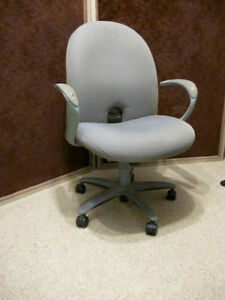Swivel chair - Swivel chair -in very good condition.  Asking $30