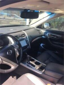 2014 Nissan Altima  LEATHER SEATS/SUNROOF/NAVIGATION ( 1 OWNER)
