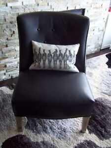 Beautiful Large Black Leather Chair - EXCELLENT CONDITION