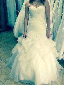 Robe de mariée/mariage style sirène lacée au dos gr.6 blanche