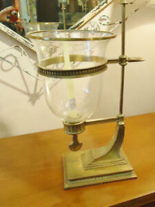PAIR OF GRAND HURRICANE LAMPS, CANDLESTICKS West Island Greater Montréal image 4