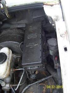 Ford Ranger Mazda B2300 power distribution box
