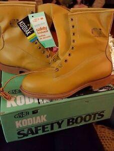 brand new kodiak safety boots