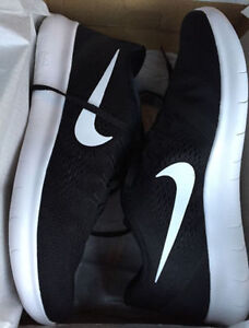 New Nike Free Rn shoes-10.5