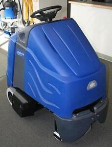 Windsor Chariot iVacuum - Wide Area Vacuum!  Stand on unit!!