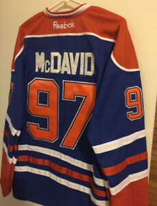 Connor McDavid Oilers Captain Jersey XL (brand new)