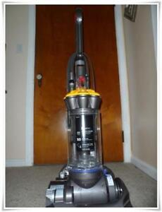 Dyson DC33 Multi Floor vacuum cleaner & all attachments.