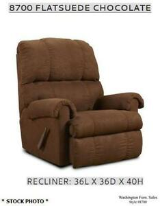 ** Like NEW ** Comfortable Chocolate Brown Recliner Chair.
