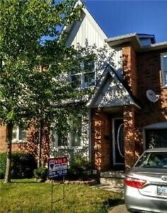 Lowest Priced! 3 Bed 3 Bath Townhouse In Central Erin Mills!