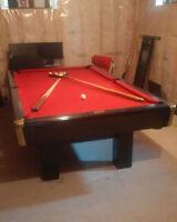 Canada Billiards & Bowling Pool Table