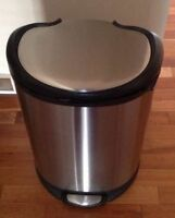 Stainless steel garbage bin from costco new $60