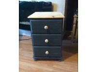 Solid pine bedside/drawers chest