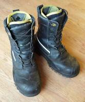 Winter Steel Toe Safety Boots in excellent condition