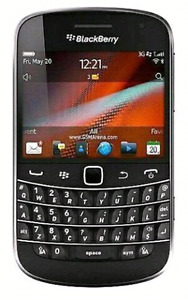 In excellent condition unlocked BlackBerry bold 9900 3 pcs avail