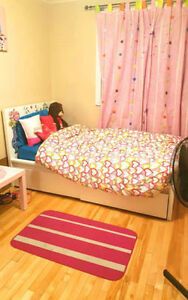 ROOM FOR RENT * FEMALE ONLY * DOWNTOWN ** CLOSE TO MCEWAN UNI *