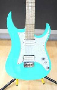 Searls 6 string electric guitar  (028000122733)
