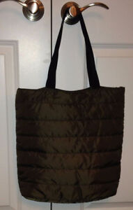 Uniqlo Quilted Bag 15$