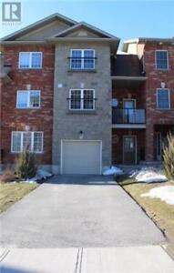 Beautiful Townhouse 3-57 Ferndale Dr South.