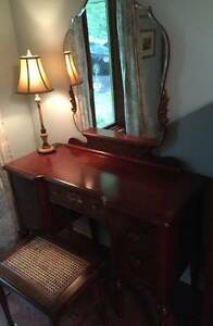 VINTAGE FIVE PIECE BEDROOM SET IN ROSEWOOD