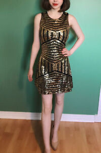 Beautiful gold sequin dress size XS.