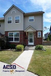 ACSO - 3 BDRM Modern Townhome - Minutes From 401 & Toyota