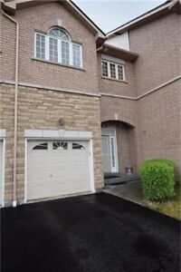 3 Bed 4 Bath Townhouse in Mississauga