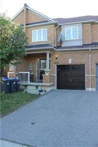 Beautiful 3 Bedroom Townhouse In High Demand Area