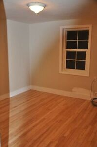 Large 2 Bedrrom---Close to uptown/waterfront----On bus route Sarnia Sarnia Area image 5