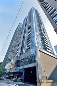 Spacious 2 Bed South East Corner Unit Condo In The Lake & City!