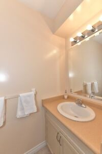 Moving for Christmas - $1498 plus utility - North west london! London Ontario image 8