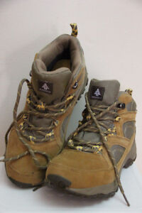 Women's Woods Meru Peak WP Mid Hiking Boots