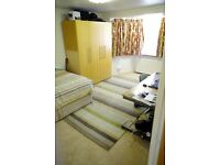 EXTRA LARGE FURNISHED DOUBLE AVAILABLE FOR YOUNG FEMALE PROFESSIONAL - WEST FINCHLEY - ALL BILLS INC