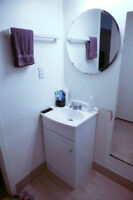 700ft2 - Spacious 700ft apartment- newly renovated flooring