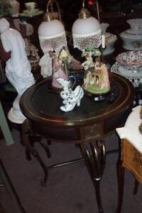 TABLE RONDE COIN BOIS & FER FORGÉ, ANTIQUE