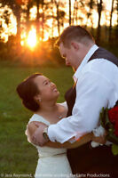 QUALITY, EXPERIENCED & AFFORDABLE WEDDING PHOTOGRAPHER!
