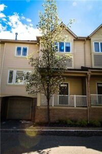 Beautiful Townhome Bright and Spacious-Mississauga