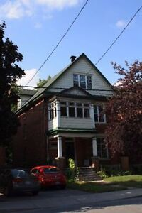 May to Aug Sublet available in Glebe! (Bank/5th)! Utilities Incl