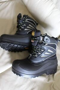 Safety boots size men's US 10 or UK 9 ½ EU 44 Absolute Zero stee