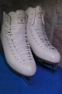 Leather ice Figure skates size 26.5 or US 8 ½ 9 women's Risport