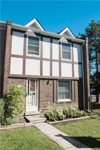 *End Unit* 3 Bed / 2 Bath Townhouse In Brampton