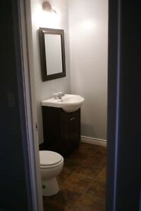 Avail Now, Great Duplex 3 or 4 bedroom INCENTIVE Oct half rent